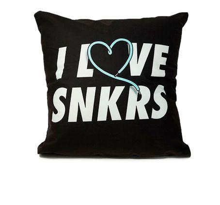 SHOTER-ALMOHADON---I-LOVE-SNKRS---