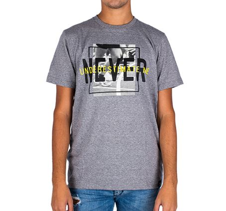 REMERA-TOPPER-NEVER